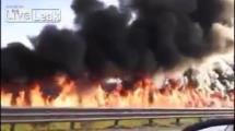 Video:tanker-yakit-akitti-yuzlerce-metre-yol-yandi