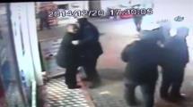 Video:yengesini-sopayla-dovdu-dostunu-hastanelik-etti