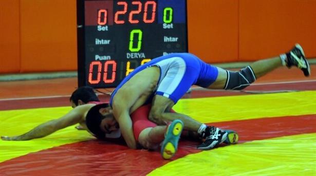Grekoromen güreşçiler İran da sahne alacak