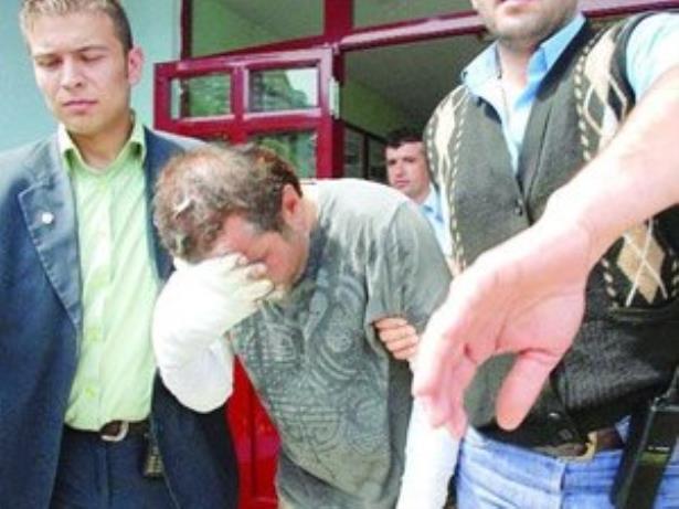 16 lık kız annesini öldürüp cesedi yaktı