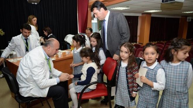 İlkokul öğrencilerine kan testi yapıldı