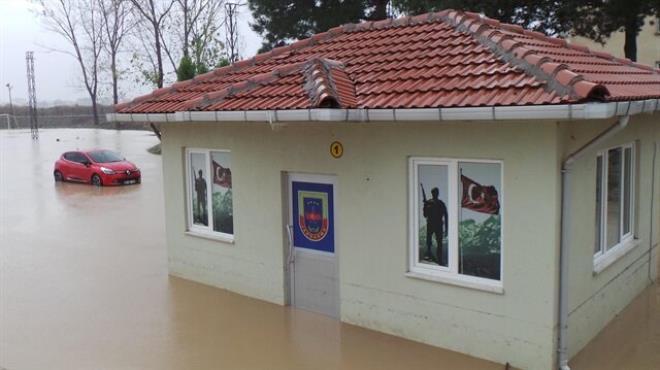 Aşırı yağış baskınlara neden oldu