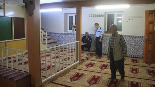 Hırsızlar cami korkuluklarını çaldı