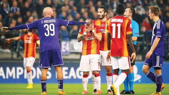 Sneijder e teklif var; Uzatalım