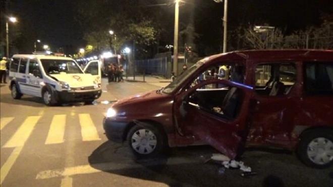 Göreve giden polis aracı kaza yaptı