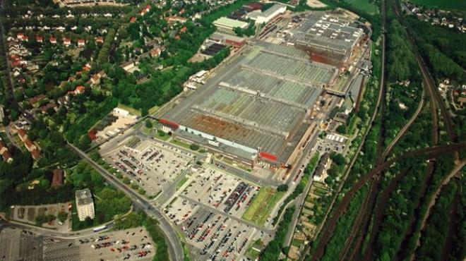 Otomotiv devi fabrikasını kapatıyor