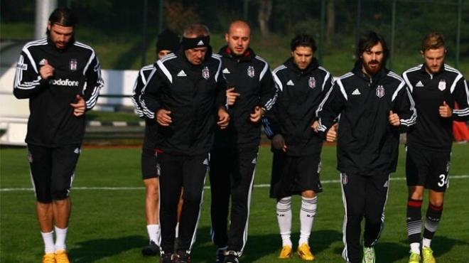 Beşiktaş a 4 oyuncudan müjdeli haber