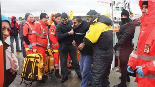 Kaza yapan Türk gemisi battı