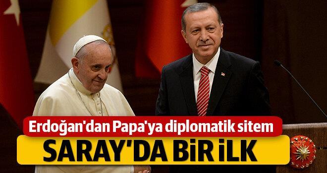 erdogandan-papaya-diplomatik-sitem
