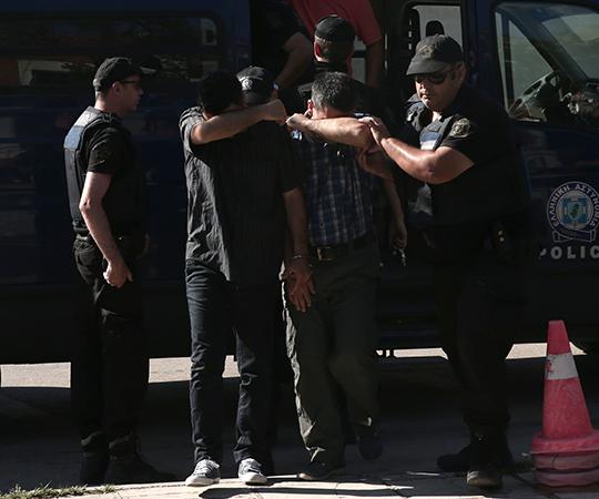 6.5 Darbeci askerler Yunanistan'a kaçtı