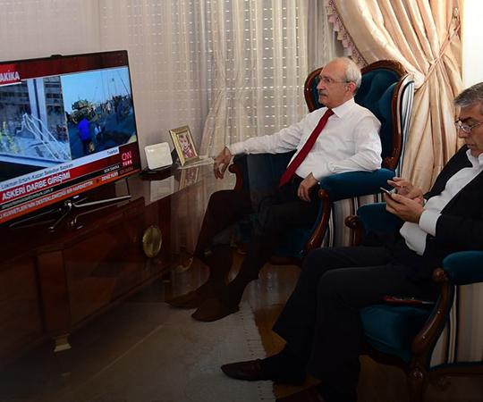 3.4 Kılıçdaroğlu televizyondan gelişmeleri takip etti