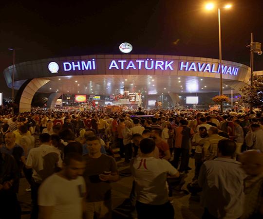 5.4 Stratfor нацелился на Президента Эрдогана, который приехал в Стамбул.