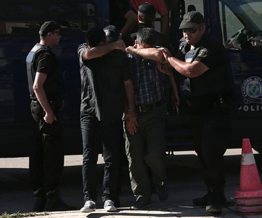 6.5 Путчисты сбежали в Грецию