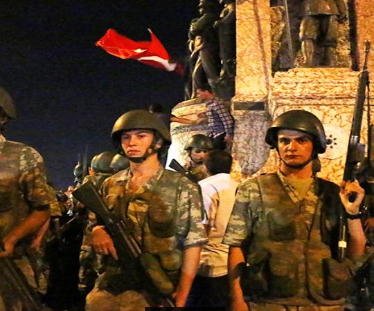 4.11 Сопротивление перевороту в Стамбуле и Конье