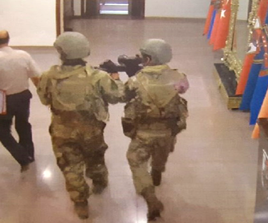 2.8 General Staff Headquarters seized