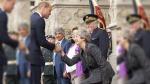 İngiltere Başbakanı May 'reverans' sınavını yine geçemedi