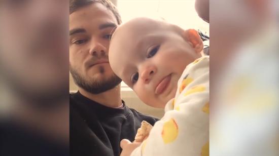 Amcası ile beatbox yapan sevimli bebek