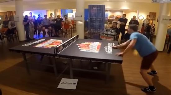 Masa tenisi değil kafa tenisi