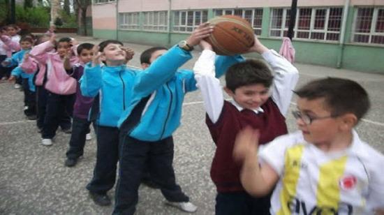 Okul yıllarının en sevilen dersi beden eğitiminden hatırladığımız 9 şey