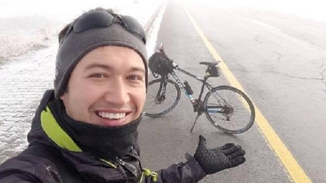 Köy çocuklarının Bisikletli kahramanı Hakan Yücel