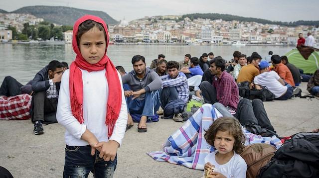 Yunan adalarındaki mülteci kamplarına kınama