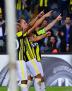 Fenerbahçe'de Ayew, Frey ve Valbuena golü birlikte kutluyor.