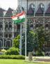 Delikli Macar Bayraklarının sırrı