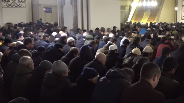 Yeni yılın ilk sabah namazında Ulu Camii doldu taştı
