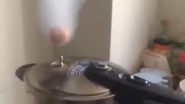 Tencere buharında yumurta haşlamak